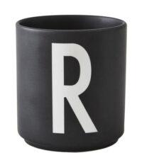 Mug Arne Jacobsen Letter R Black Design Letters Arne Jacobsen