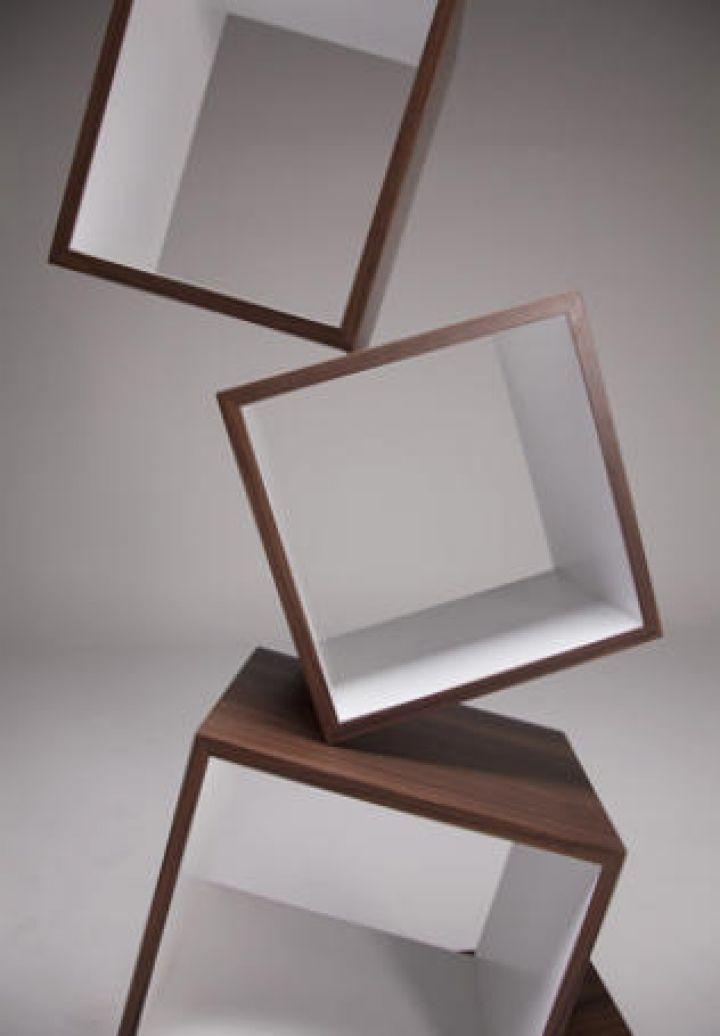 Equilibrium-Modern-Bücherregal-by-Alejandro-Gomez-Stubbs-Speicher-und-Regale