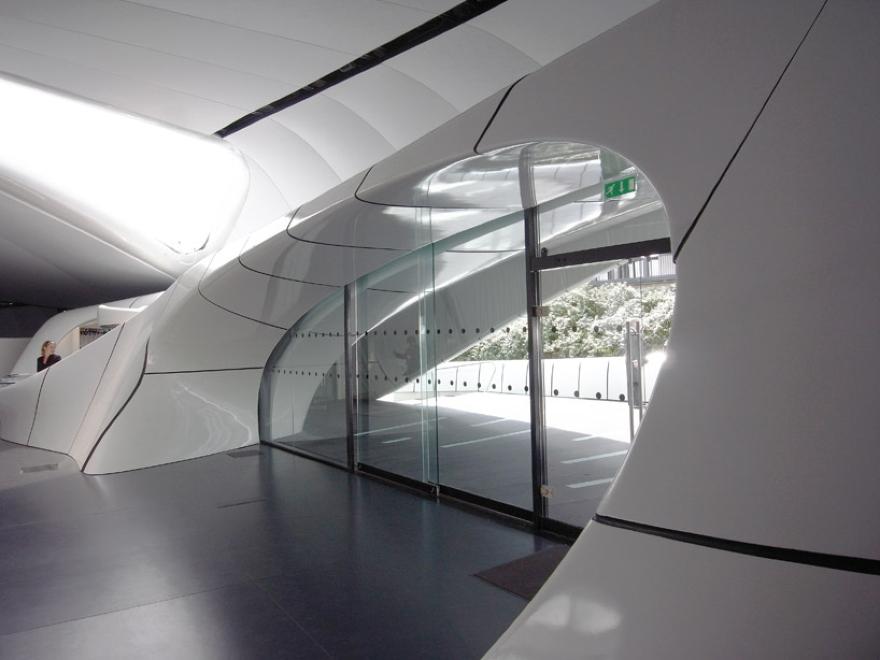 Mobile Art Pabellón 06 de Zaha Hadid