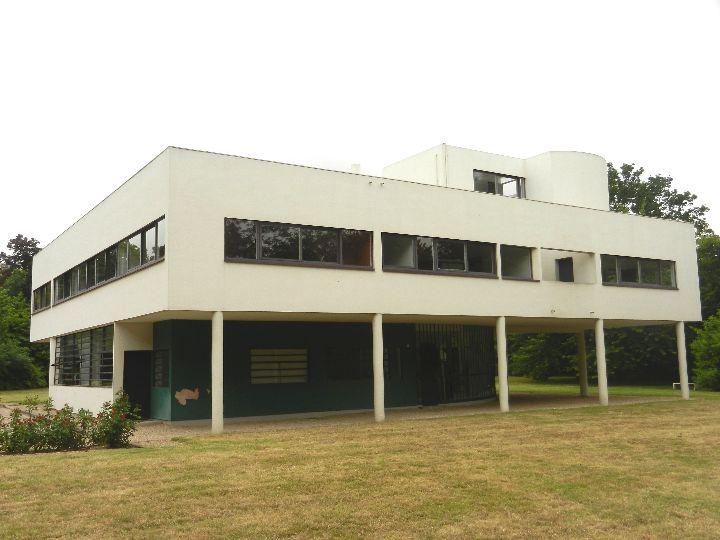 a - Ville Savoye 79