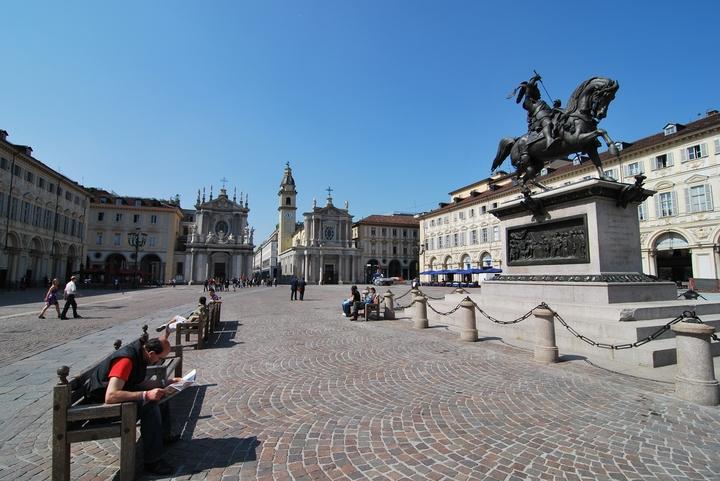 1371 2009-Τορίνο Piazza San Carlo