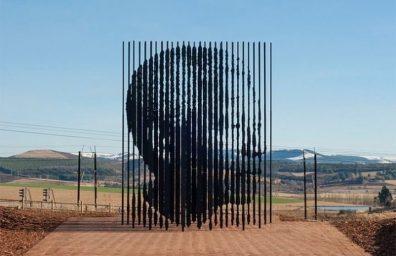 Μαντέλα-Γλυπτική-από-Marco-Cianfanelli3-640x425