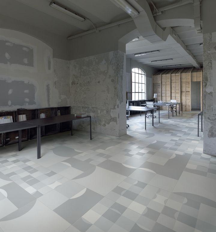 Office Square Frame-up Vanguard-aleatório