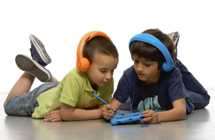 social headphones design magazine headfoam 2 sm