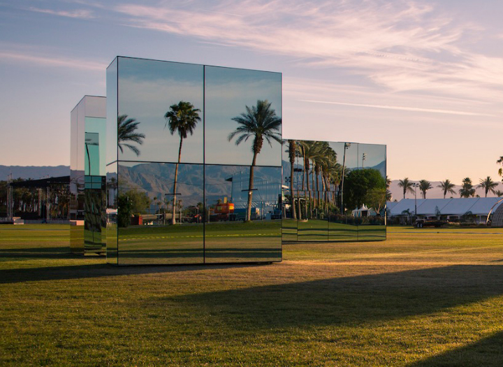 phillip-k-smith-III-mirrors-reflection-field-for-Coachella-06