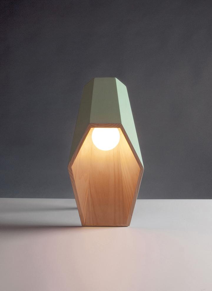 Alessandro Zambelli λάμπα woodspot Κοινωνικής Σχεδιασμός Magazine-02