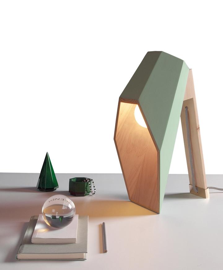 Alessandro Zambelli λάμπα woodspot Κοινωνικής Σχεδιασμός Magazine-04