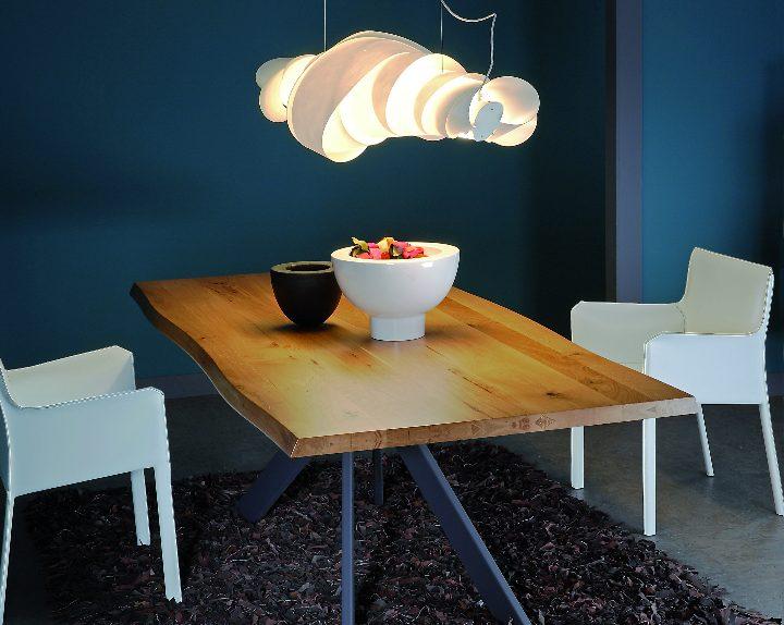Samoa Tisch von Varo Sozial Design Magazine