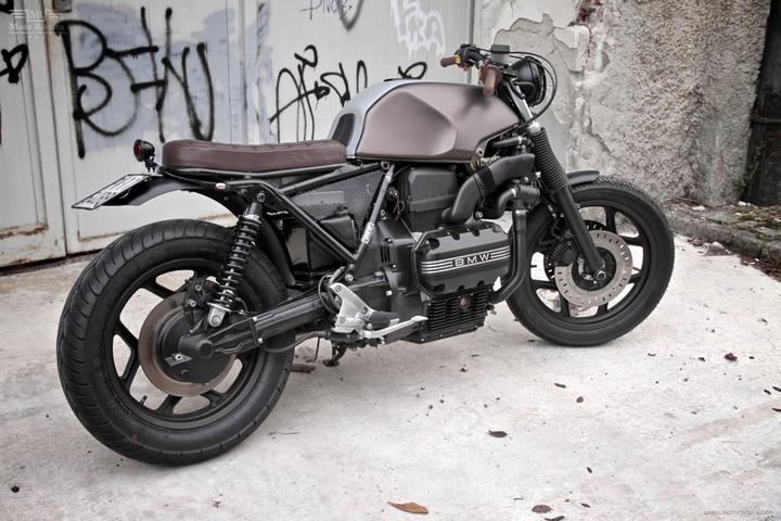 Custom BMW K 75 street tracker by Moto Sumisura social design magazine 04