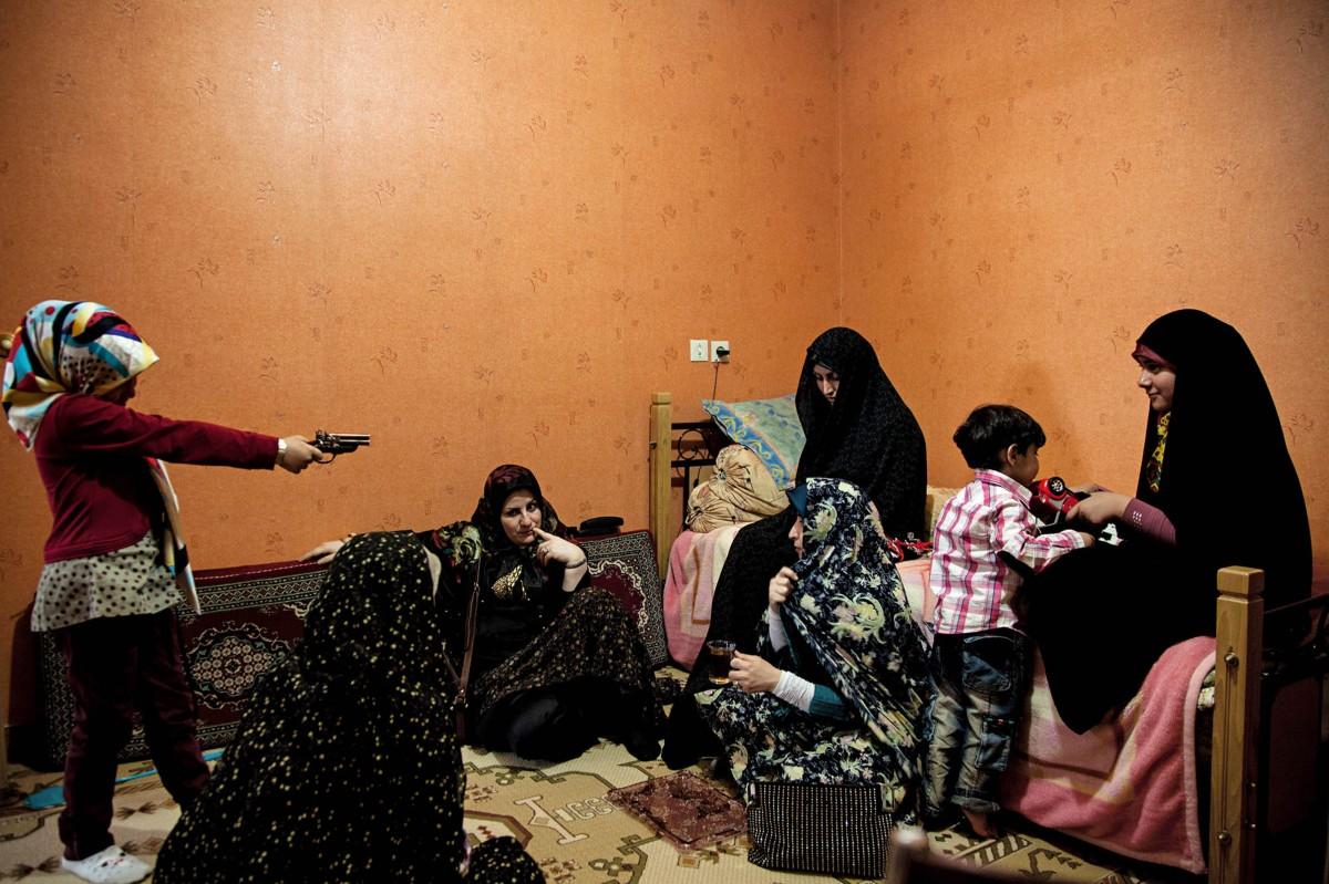 Η Φάμπρικα του ιρανικού Living Room, Αλί Τατζικιστάν-23