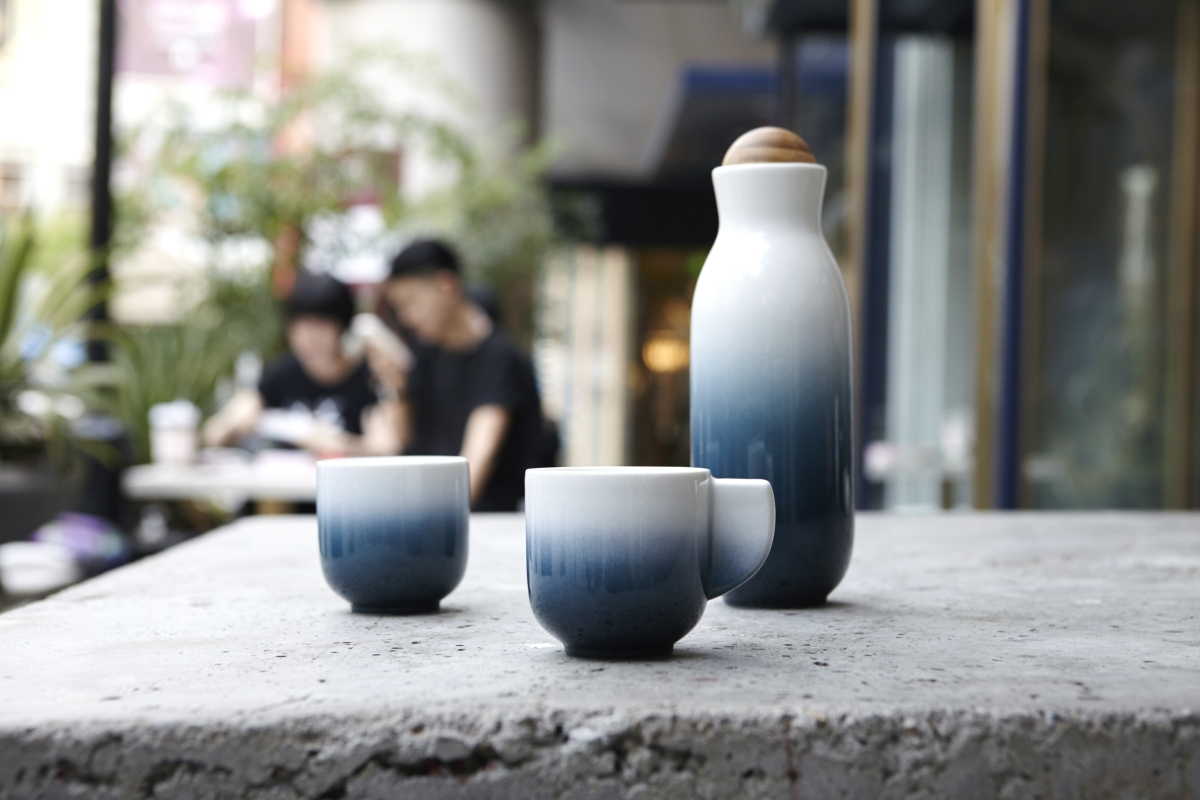 ALCHEMICAL SIGNS, TAIWANESE ROOTS tableware