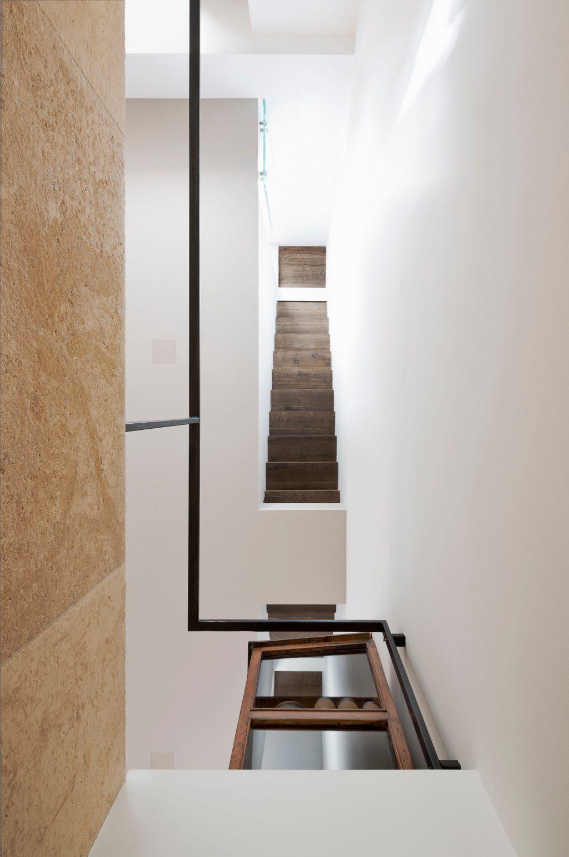 vertikale oft Westway Achitects, Blick auf die Leiter von unten nach oben