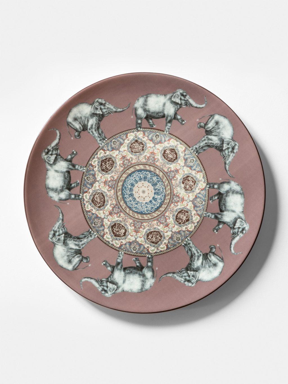Costantinopoli, collezione di piatti by Vito Nesta, elefanti